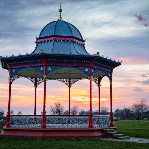 Magdalen Green bandstand, Dundee, Scotland. DD043