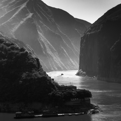 View of the entrance to the Qutang Gorge on the Yangtze River, China.