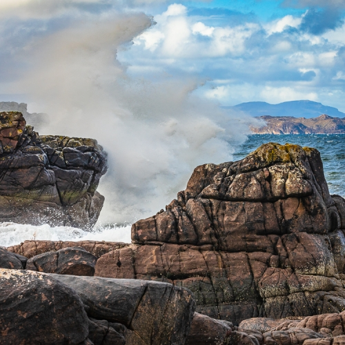 Breaking waves against the rocky shore at Lonbain, Applecross, Scotland. AP030