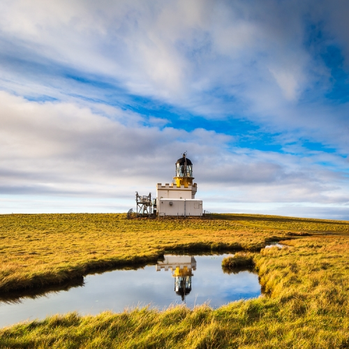 The Stevenson lighthouse on the Brough of Birsay, Orkney Islands. OR013