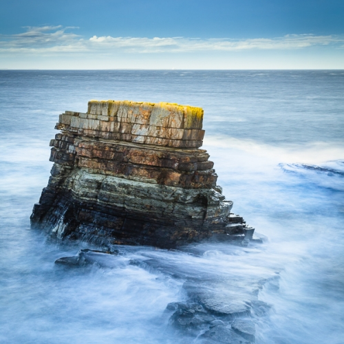 Rough seas around a sea stack at Deerness, Orkney Islands. OR020