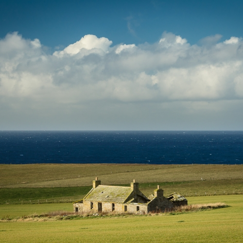 Derelict farmhouse, Birsay, Mainland, Orkney Islands. OR024